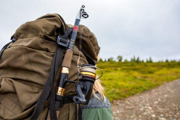 how-to-attach-fishing-rod-to-backpack